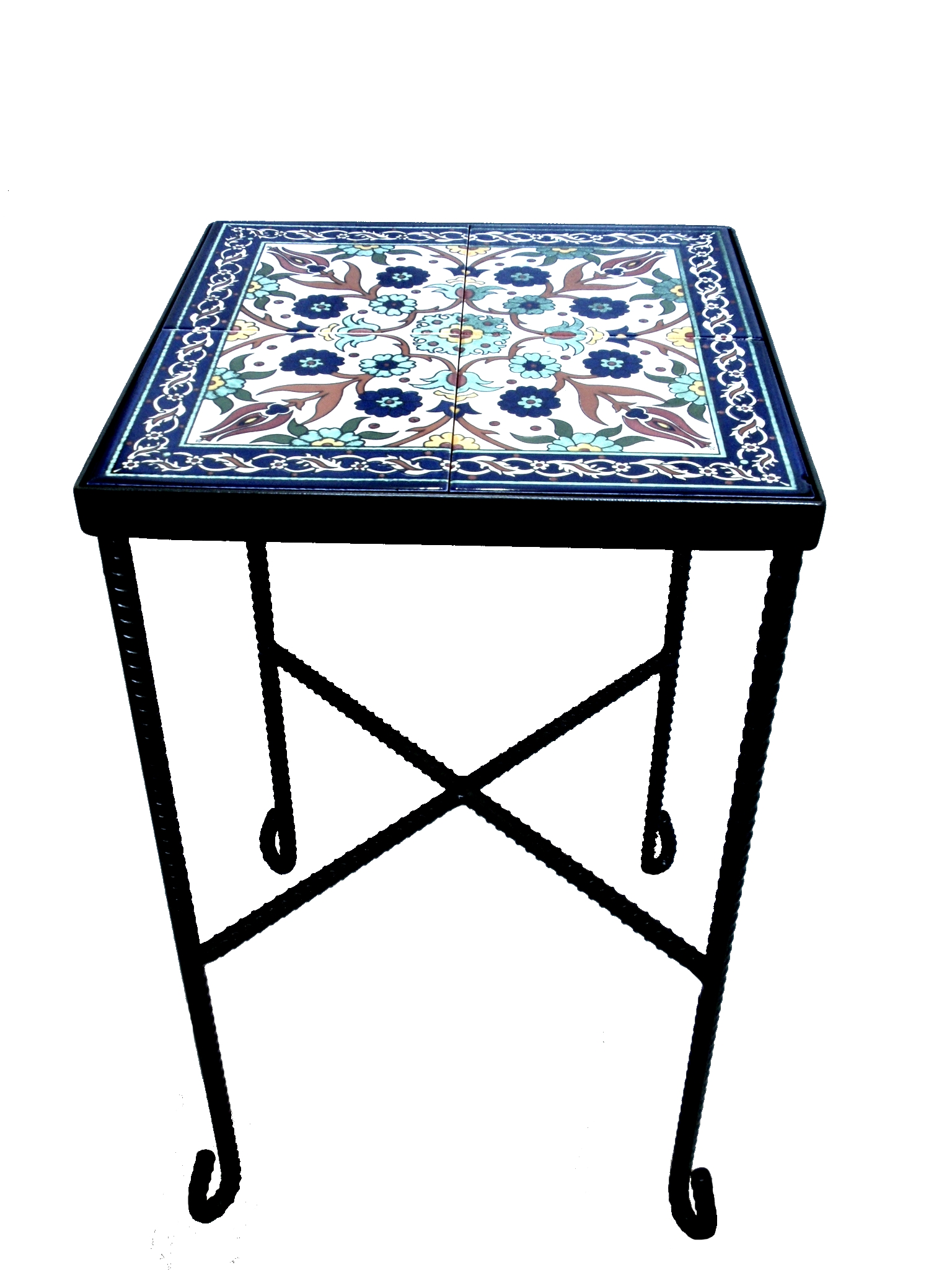 שולחן ברזל עדין בשילוב קרמיקה פרחים