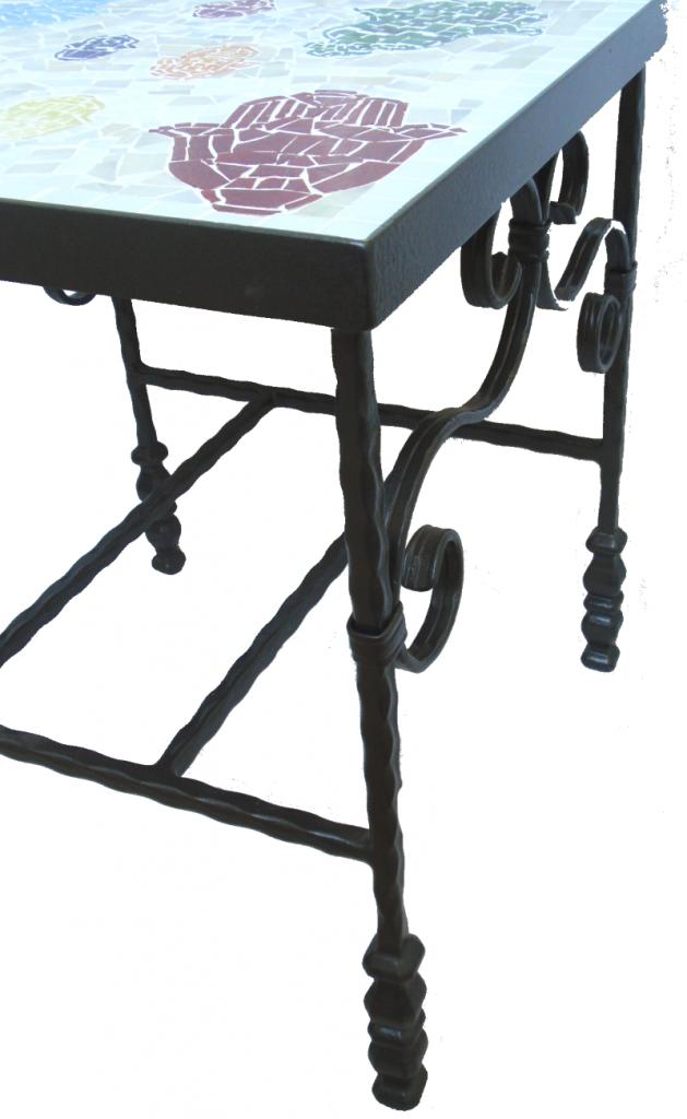 שולחן פסיפס חמסות צבעוניות