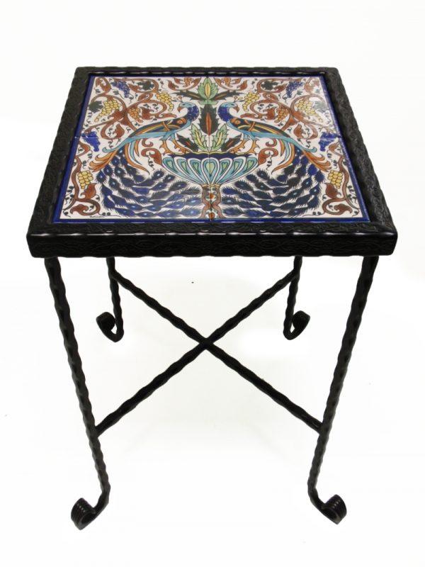 שולחן ברזל קרמיקה טווסים