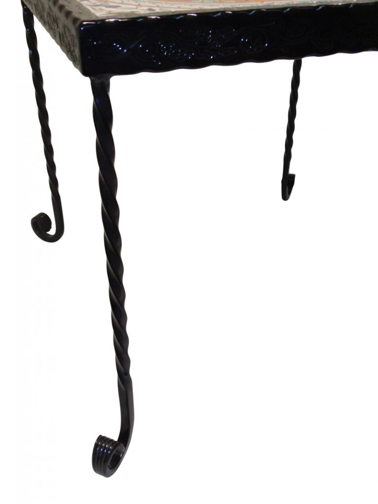 שולחן ברזל מפורזל