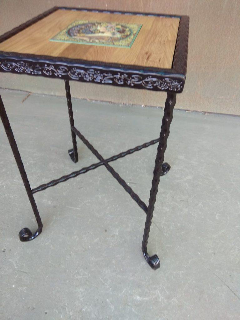 שולחן ברזל ריבועי קרמיקה נסיכה משולבת בעץ