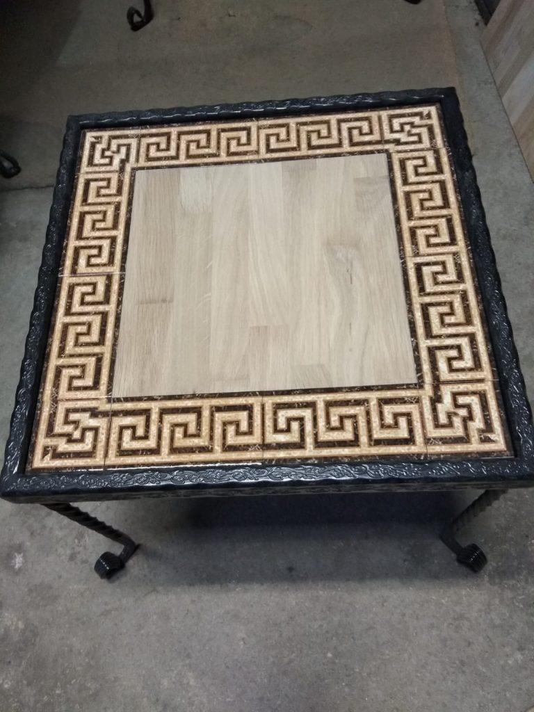 שולחן ברזל פלטת עץ מסגרת קרמיקה מבוך